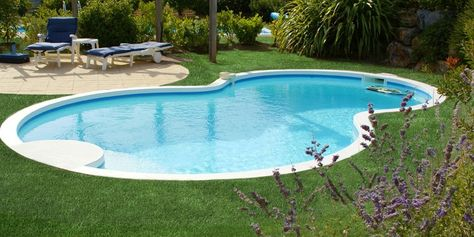 Artificial grass for residential landscaping