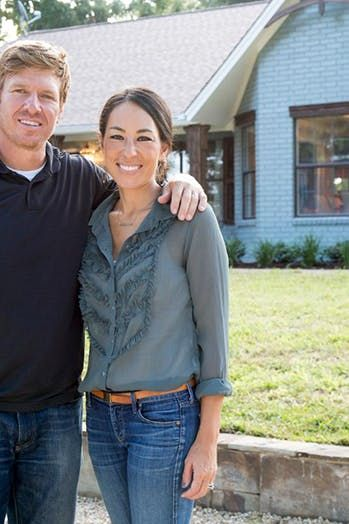 5 Joanna Gaines Outfits That Are So Easy To Copy Joanna Gaines Style Clothes Joanna Gaines Clothes Joanna Gaines Style