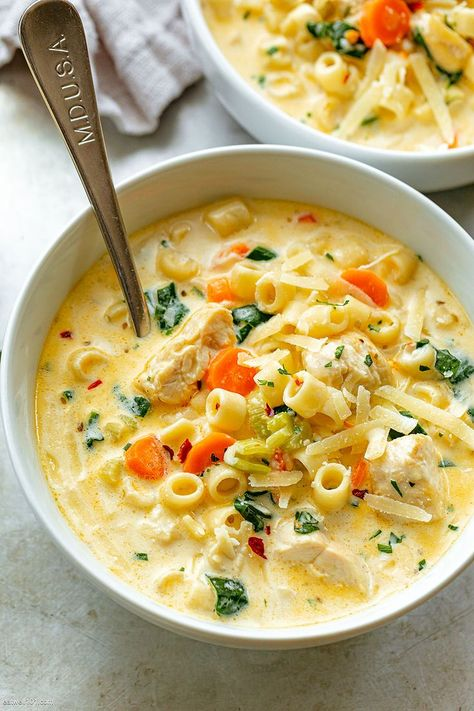 Soup Recipes 28288303898935407 - Creamy Chicken Pasta Soup Recipe – – Nutritious, easy and big on flavor, this delicious chicken pasta soup tastes like you spent all day in the kitchen, but it's done in less than 30 minutes! Chicken Pasta Soup Recipe, Creamy Chicken Pasta, Chicken Recipes, Chicken Soups, Spinach Chicken Soup, Creamy Spinach Soup, Creamy Soup Recipes, Shrimp Pasta, Cooking Recipes
