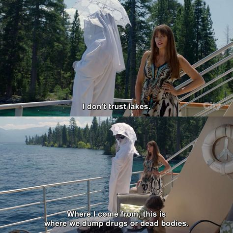 Modern Family - Gloria Delgado-Pritchett: I don't trust lakes. Where I come from, this is where we dump drugs or dead bodies. Modern Family Gloria, Modern Family Funny, Modern Family Quotes, Stupid Funny, Funny Cute, Funny Stuff, Hilarious, Funny Relatable Memes, Funny Posts