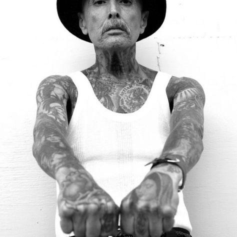 Menschen mit tattoos