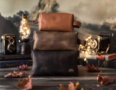 Kit Dopp, Cowhide Leather, Leather Men, Leather Bags, Vintage Leather, Brown Leather, Box Photo, Monogram Styles, Toiletry Bag