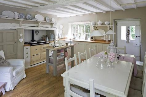 Beautiful kitchen, pale chalky colours.