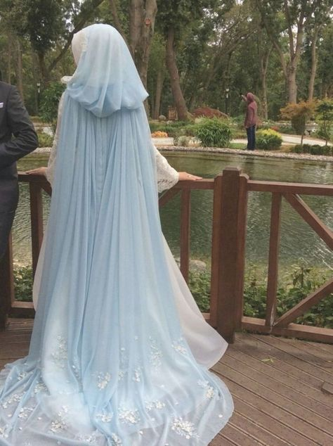 20 Marvelous Blue Wedding Dress That Look More Beautiful - Hochzeit Viking Wedding Dress, Wedding Dress With Veil, Blue Wedding Dresses, Gorgeous Wedding Dress, Beautiful Dresses, Beautiful Beautiful, Medieval Wedding Dresses, Fantasy Wedding Dresses, Fairy Wedding Dress