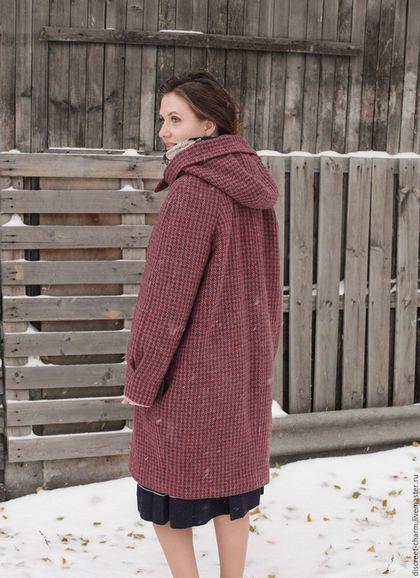 c65d0db5259 Верхняя одежда ручной работы. Бордовое зимнее шерстяное пальто с капюшоном