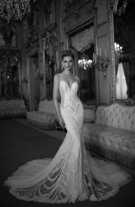 Berta sposa Primavera-Estate 2016 - Abito da sposa con applicazioni Berta d172fcfad17