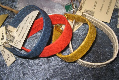 Salmon leather bracelets. More colours.