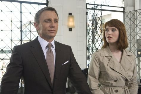 Bond & Strawberry Fields - Daniel Craig & Gemma Arterton - Quantum of Solace
