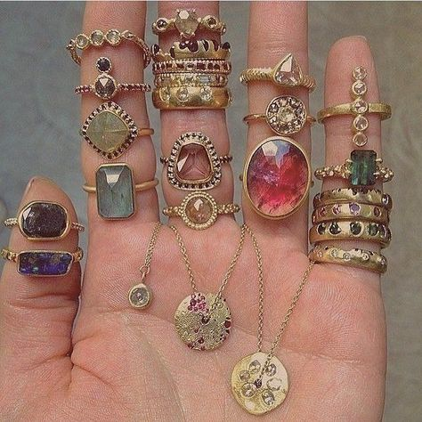 böhmische Ringe – ich glaube nicht, dass ich sie alle auf einmal trage, aber si… Bohemian rings – I do not think I'm wearing them all at once, but they're … Cute Jewelry, Boho Jewelry, Jewelry Accessories, Jewelry Box, Opal Jewelry, Jewelry Stand, Bohemian Accessories, Silver Jewellery, Stone Jewelry