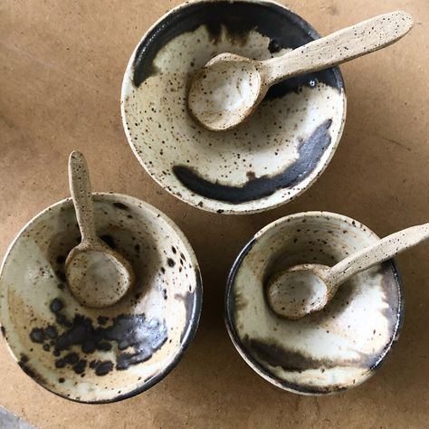 Mini Spice Bowl and Ceramic Spoon — Gina DeSantis Ceramics Pottery Pots, Raku Pottery, Glazes For Pottery, Pottery Ideas, Ceramic Spoons, Ceramic Tableware, Ceramic Glaze Recipes, Pottery Workshop, Ceramic Techniques