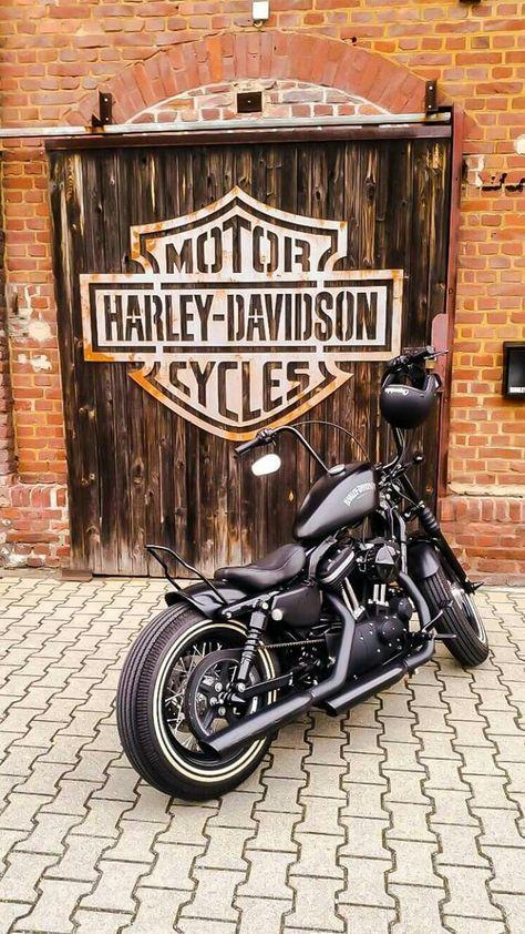 51 Trendy Motorcycle Wallpaper Iphone Harley Davidson Harley Davidson Wallpaper Harley Bikes Harley