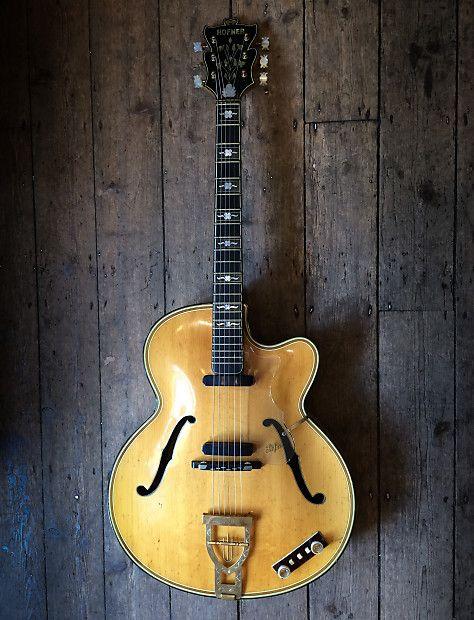 1959 60 Hofner Golden Hofner Blonde Natural Series 1 With Hard Shell Case New Kings Road Vintage Guitar Emporium Reverb Vintage Guitars Guitar Vintage Guitar Amps