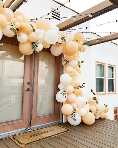 Homemade Wedding Gifts, Homemade Anniversary Gifts, Anniversary Gifts For Couples, 8 Year Anniversary, House Party Decorations, Balloon Decorations, Birthday Decorations, Baby Shower Decorations, Peach Baby Shower