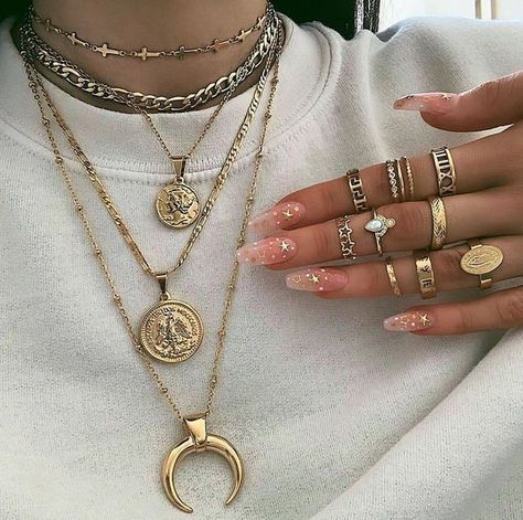 # Accessories - # Accessories - You are in the right place about Accesso Dainty Jewelry, Opal Jewelry, Cute Jewelry, Luxury Jewelry, Body Jewelry, Jewelry Accessories, Fashion Accessories, Fashion Jewelry, Chunky Jewelry