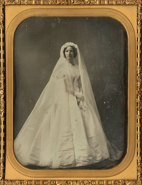 Bride, Boston, Massachusetts. Photographer: Southworth and Hawes. Date: ca. 1851. From the Richard Rudisill Collection, HP.2000.17, Negative Number 187728