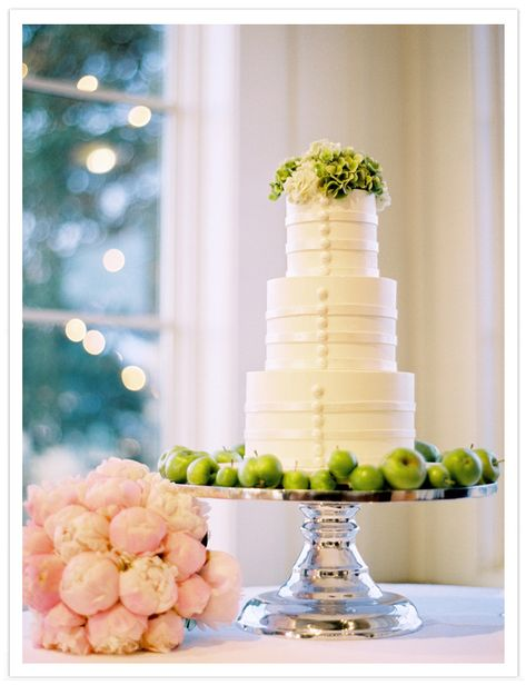 cute apple idea... yellow apples for a yellow wedding?