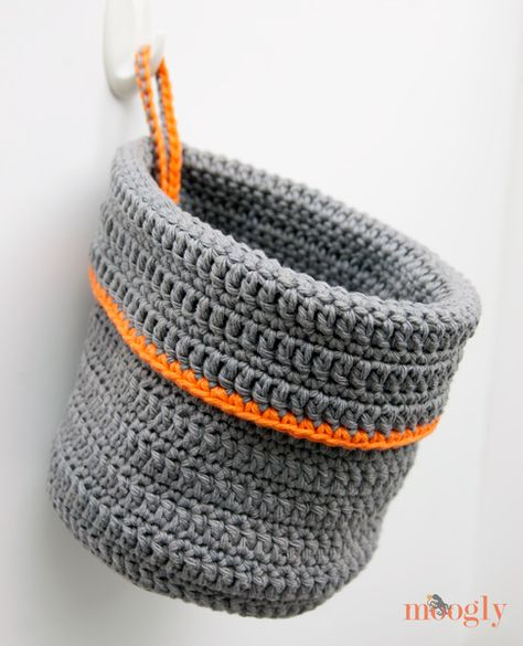 Organization Now! Get your stuff in order with this free #crochet hanging basket pattern on Moogly! Great gift idea  - fill it with treats! :D