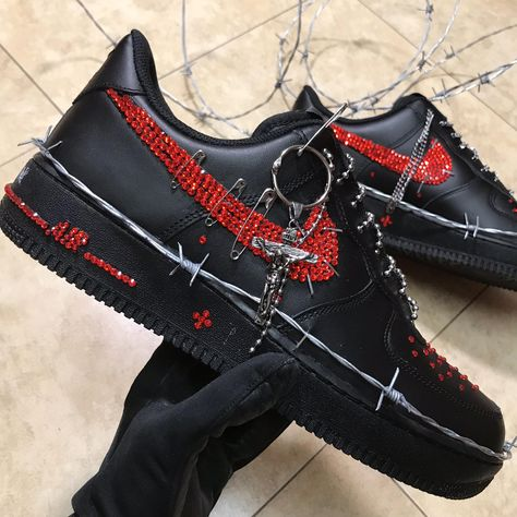 29 Ideas For Moda Masculina Jovem Sapatos - Reality Worlds Tactical Gear Dark Art Relationship Goals Moda Sneakers, Sneakers Mode, Sneakers Fashion, Edgy Outfits, Mode Outfits, Grunge Outfits, Fashion Outfits, Tenis Nike Air, Nike Air Shoes