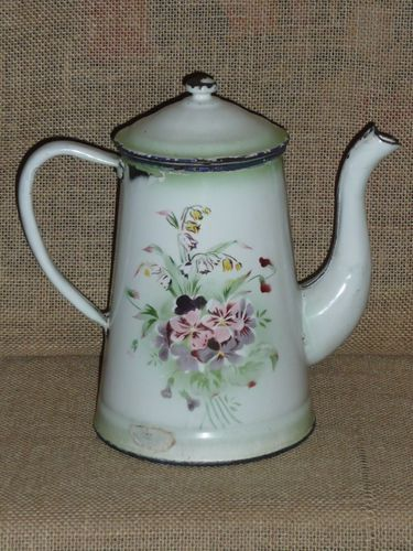 Old Enamelware Coffee Pot  (1920-1930)