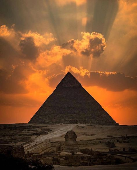 Looking for Egypt Pyramids Holiday Package? Book Luxury and Budget Egypt Pyramid Tour Packages From List of Private and Group Egypt Travel Packages to Egypt Pyramids and More Egypt Attractions.