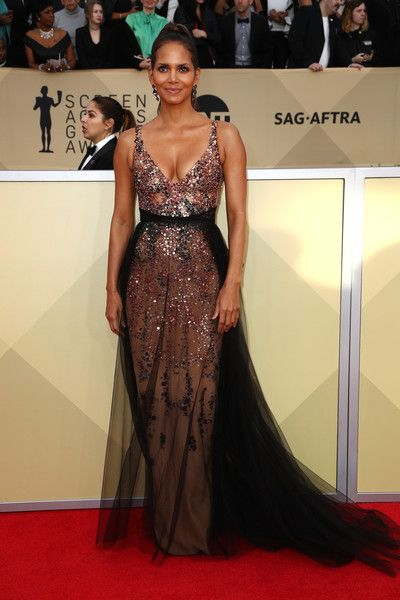 Actor Halle Berry attends the 24th Annual Screen Actors Guild Awards.