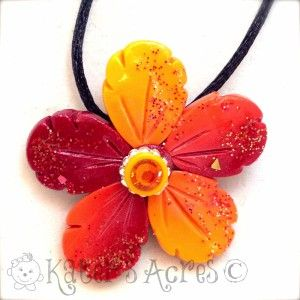 Festive Fall Skinner Blend Flower Necklace by KatersAcres | CLICK to get a link to a FREE tutorial link to make your own.