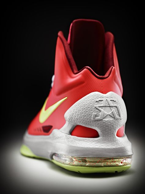new product 78ac6 a70e9 Kevin Durant Introduces His New Sneaker, The Nike KD V   Fresh kicks ...