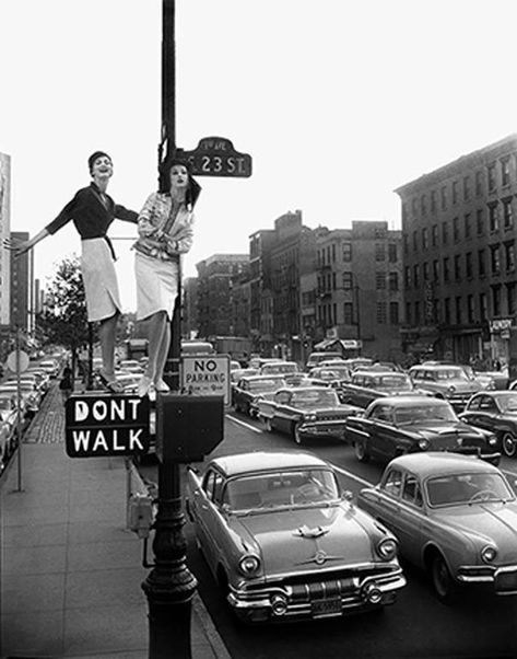 William Helburn Photograph - Lamppost First Avenue 23Rd Street Harper Bazaar 1958