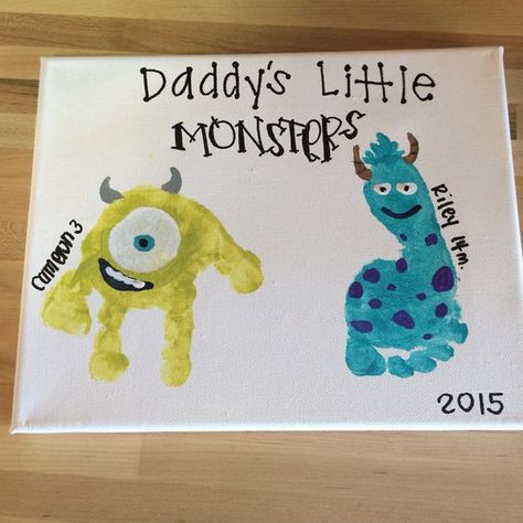 Hand Print Father's Day Gift Ideas Father's Day gift monsters inc toddler handprint canvas craft Should you love arts and crafts you really will love this website! Daycare Crafts, Baby Crafts, Preschool Crafts, Baby Handprint Crafts, Baby Footprint Crafts, Diy Father's Day Crafts, Infant Crafts, Family Crafts, Daddy Day