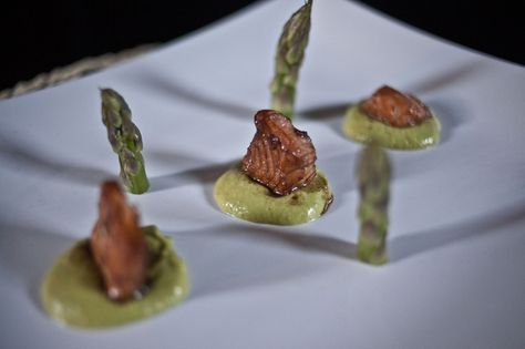 Un #secondopiatto perfetto per #sanvalentino? Questi cubetti di #salmone all'aceto balsamico di Modena Igp: http://www.saporie.com/it/doc-s-148-14849-1-cubetti_di_salmone_all'aceto_balsamico_di_modena_igp.aspx #ricetta #menu