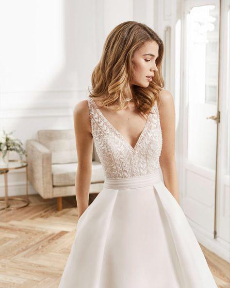 Aire Barcelona 2020 Spring Bridal Collection – The FashionBrides Pink Wedding Dresses, Royal Blue Dresses, Wedding Dress Trends, Bridal Dresses, Wedding Gowns, Wedding Ideas, Vestidos Azul Royal, Fairytale Gown, Lace Bride