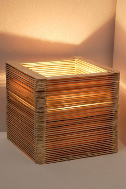 Handicrafts With Ice Cream Sticks Table Lamp Made Of Wooden Spatulas Otto Kristina Shows You Her Diy Tab Wood Diy Diy Table Lamp Diy Furniture Nightstand