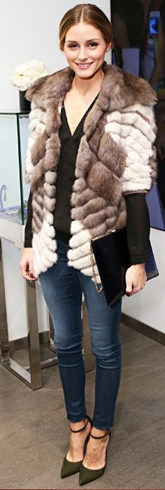 Olivia Palermo Street Style. {hope it's not real} Fur. Skinnies. Pumps.
