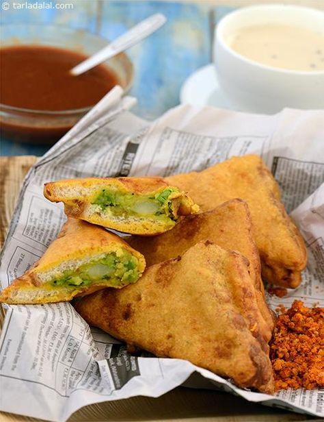 Bread Pakoda ( Mumbai Roadside Recipes ) recipe   Bread Pakoda   by Tarla Dalal   Tarladalal.com   #33400