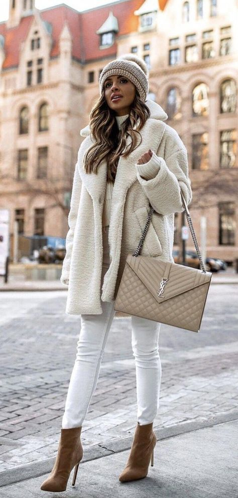 40 Outstanding Casual Outfits To Fall In Love With: Casual outfits for spring & fall to get inspired by! If you're looking for causal outfit inspiration, casual everyday outfits and fashion ideas, these 40 beautiful outfits by fashion bloggers will motivate you to look trendy in no time. | Image by ©️️ MiaMiaMine / White teddy coat, white shearling coat with YSL bag / #yslbag #teddycoat #Casualeverydayoutfits #casualoutfits #outfitsinspiration #casualoutfi #fashionideasover40