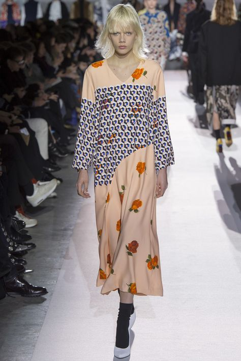 Dries Van Noten Fall 2017 Ready-to-Wear Fashion Show Collection