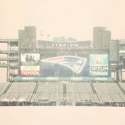 Don't you always love the first snow at Gillette??
