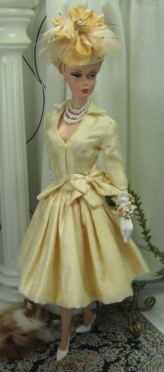 Barbie steps out❤I wish I had my first Barbie