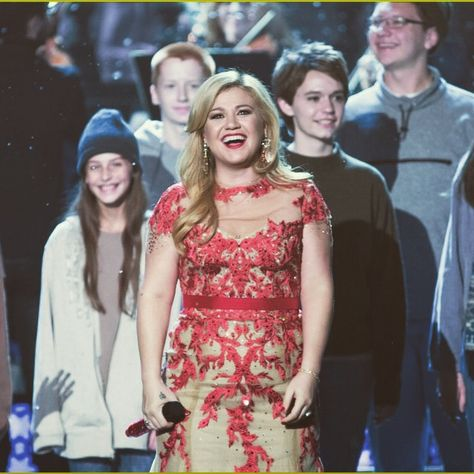 Nbc Christmas Specials 2019.My Christmas Special From Last Year Kelly Clarkson S