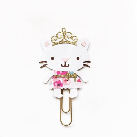 Floral Bunches Kitty Paper Clip by TheCreativeBeeShop on Etsy https://www.etsy.com/transaction/1126992039