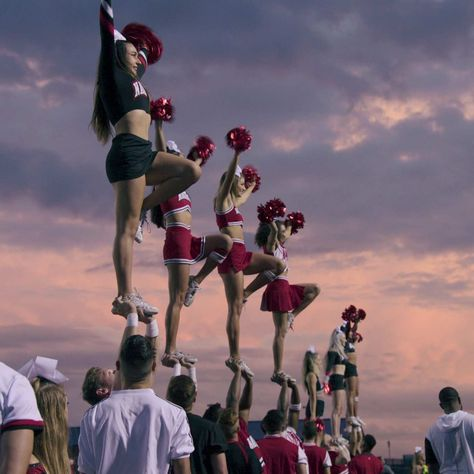 This is why the world is hooked of Netflix's show 'Cheer'. and if you haven't watched it yet, what are you doing with your life? Tumbling Gymnastics, Sport Gymnastics, Olympic Gymnastics, Olympic Games, Cheer Jumps, Cheer Stunts, Cheer Dance, Cheerleading Photos, Competitive Cheerleading