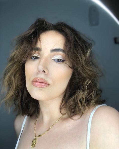 "𝕯𝖔𝖗𝖎𝖓𝖊𝖑𝖆 on Instagram: ""#nofilter #makeupbyme💄 #makeuplooks #makeupaddict #makeuplover #makeupforever #makeupgoals #makeuptransformation"""