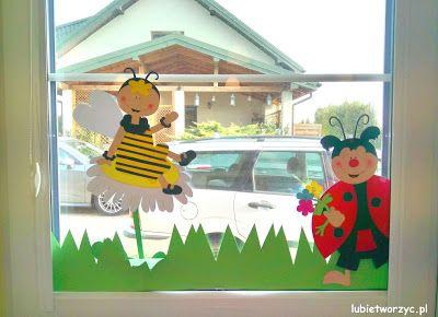 Pszczolka I Biedronka Elementy Wiosennej Dekoracji Okiennej W Przedszkolu Pszczola B Kindergarten Decorations Spring Kindergarten Emoji Coloring Pages