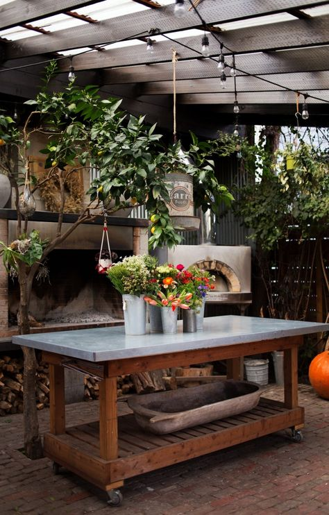 now's the time for setting up 'your' ideal work space... great potting table from; lila b