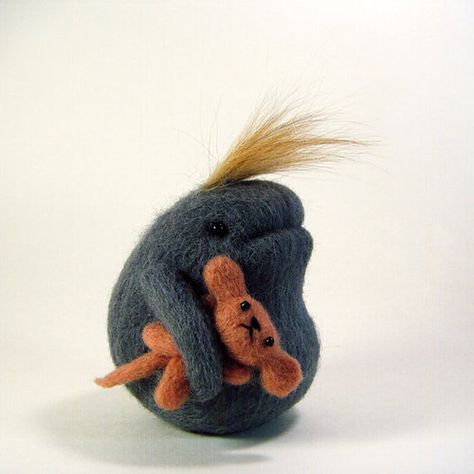 Felt creature by Kit Lane . I love oddball critters like this especially when they come with woobies. Felt creature by Kit Lane . I love oddball critters like this especially when they come with woobies. Needle Felted Animals, Felt Animals, Wet Felting, Needle Felting, Felt Finger Puppets, Felt Monster, Softie Pattern, Cute Toys, Felt Toys