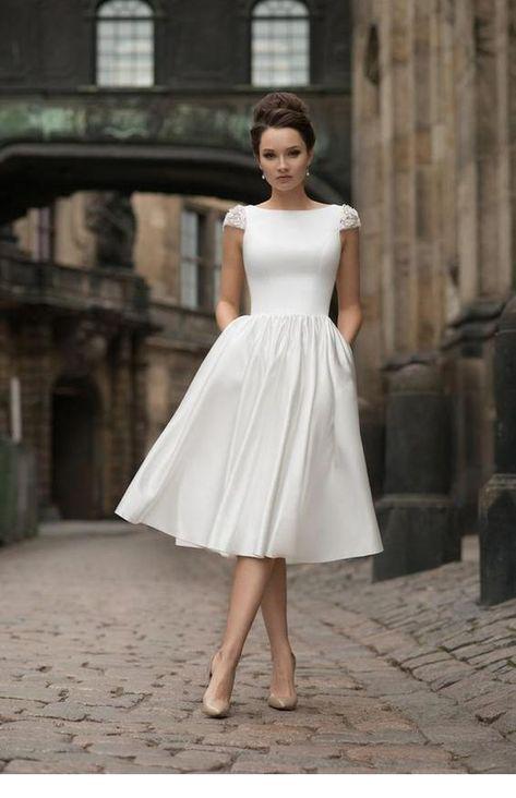 Amazing white dress with beige pumps - Miladies.net
