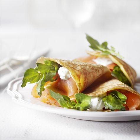 Pancake with arugula and smoked salmon      #recipeguide #recipe #food #foodgasm #foods #foodstagram #foodblogger #foodlovers #foodrecipes #instafood #hungry #foodpic #foodporn #instarecipes