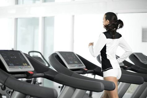 Tone your butt and burn 400 calories in 32 min.  Run at 7.0 for one minute, walk on 15 incline at 4.0 for 3 minutes. Repeat 8 times.