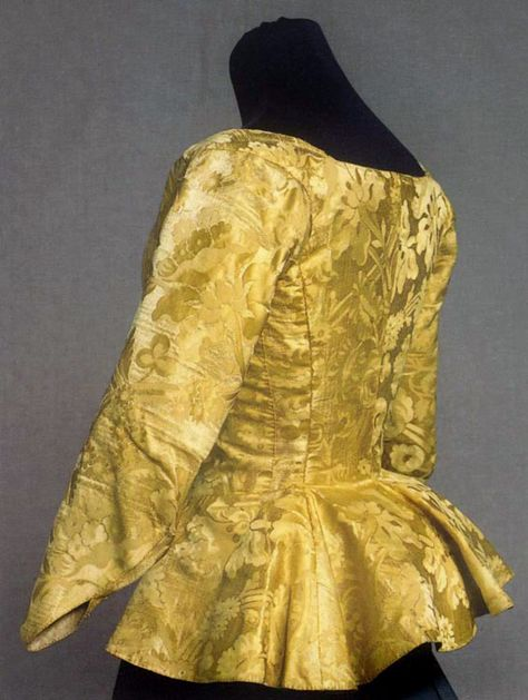 This silk jacket shows many of the sewing techniques mastered by tailors in the 1700th c. The silk was probably made in Sweden c. 1750 but the cut is from the 1780s. Jacket, silk damask, linen, 1780s, KM 14.561. Photo Viveca Ohlsson, Kulturen|