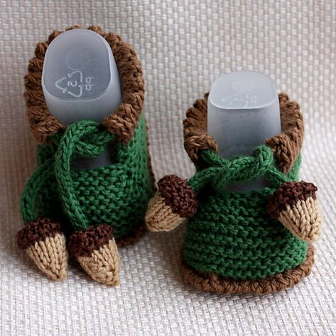 Ravelry: ACORN BABY Booties pattern by Julia Noskova